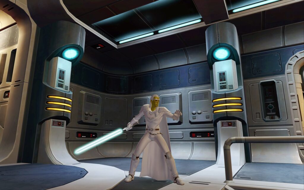 Almost white outfit in SWTOR: Not using White-White Dye!